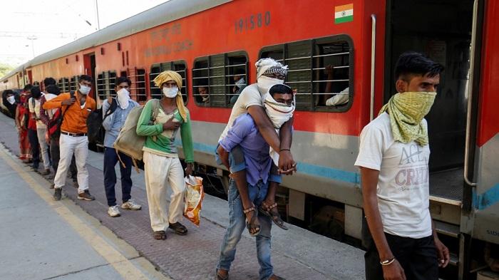 railway fare for migrant labours